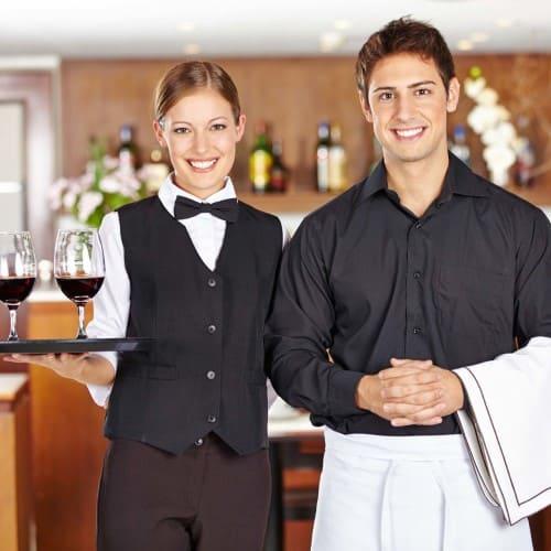 Официанты в аренду
